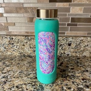 Lilly Pulitzer Accessories - Lilly Pulitzer Glass Water Bottle EUC